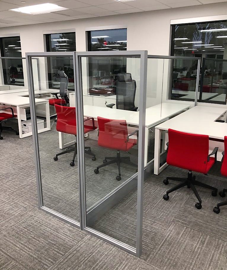 Screen dividers for office workspaces